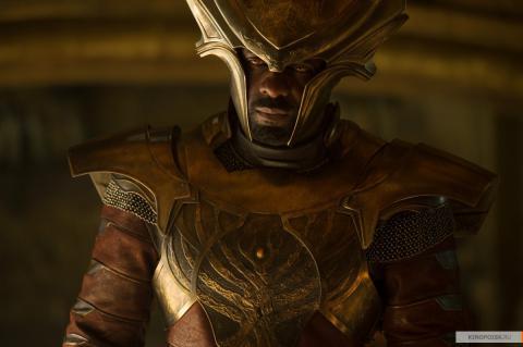 Кадр из фильма Тор 2: Царство тьмы, 2013 год (03)