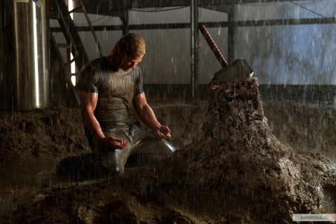 Кадр из фильма Тор, 2011 год (09)