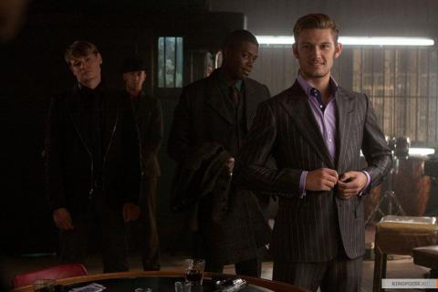 Кадр из фильма Время, 2011 год (07)