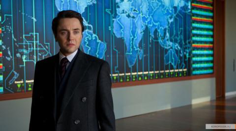 Кадр из фильма Время, 2011 год (08)