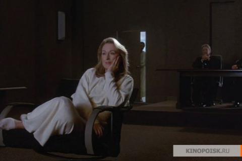 Кадр из фильма Защищая твою жизнь, 1991 год (04)