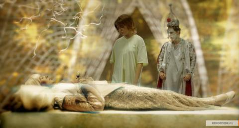 Кадр из фильма Зеркальная маска, 2005 год (06)