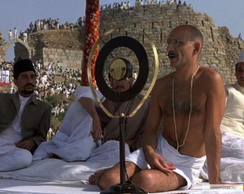 Кадр из фильма Ганди, 1982 год (03)