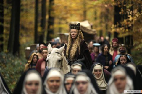 Кадр из фильма Видения – Из жизни Хильдегарды фон Бинген, 2009 год (08)